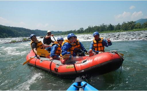 夏の思い出に!日本一の信濃川でラフティング