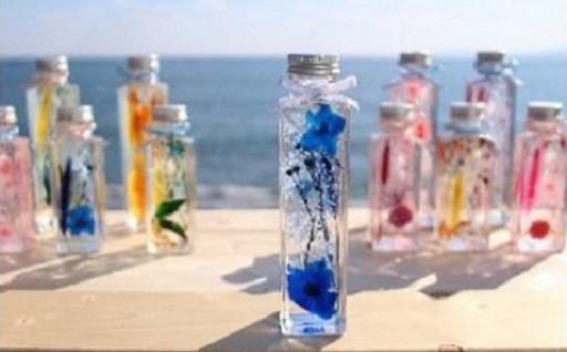 高知県産花を使った鮮やかな色が特徴のハーバリウム