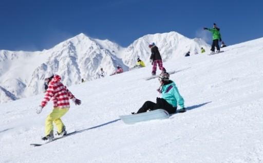 今年も白馬岩岳スノーフィールドを楽しんでください