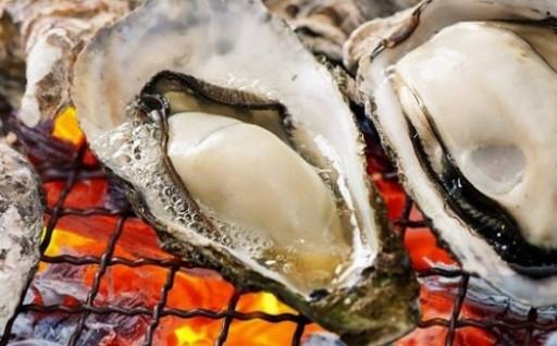 【期間限定】殻付き牡蠣が登場!!12月~2月頃
