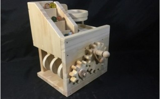 手作り木のからくりおもちゃ「階段・トルネード」