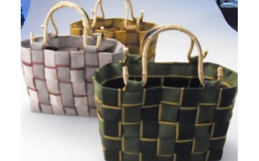 畳縁箱編バッグ軽く優美な2色格子で和装にぴったり