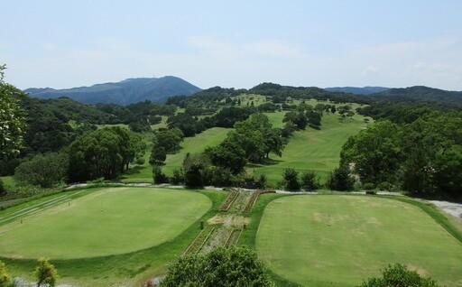 四万十の風を感じながらゴルフをしてみませんか
