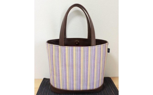 手織りと天然レザーから生まれたトートバッグ