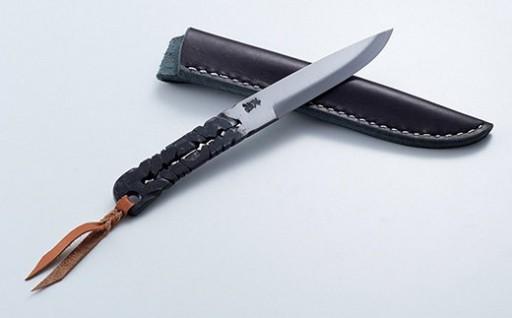伝統の技で造るナイフが人気です!