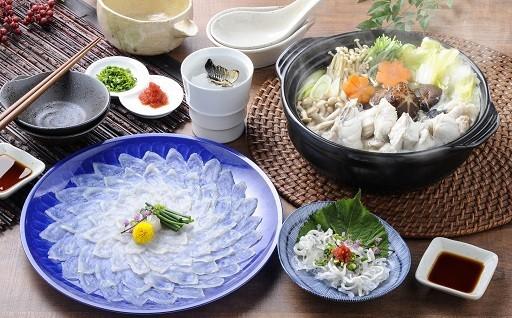 大絶賛受付中!松浦市の絶品とらふぐ刺身・鍋セット