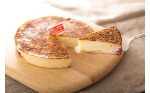 濃厚な美味しさで25年ベストセラーのチーズケーキ