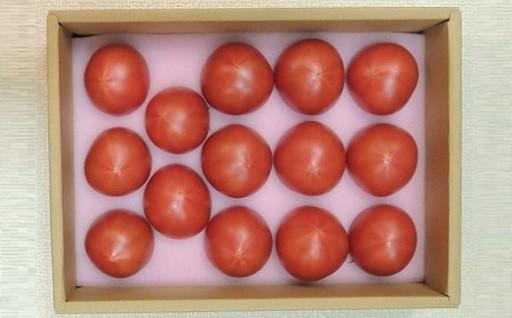 水分をギリギリまで与えず育たフルーツトマトです♪
