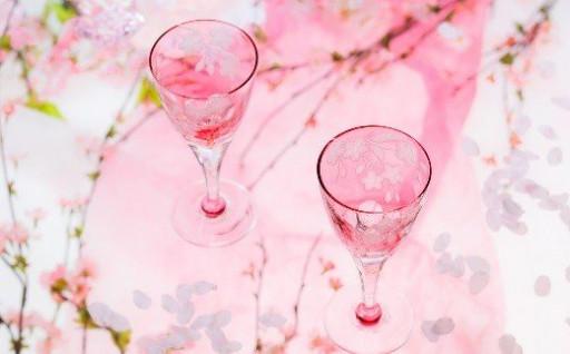 桜の季節に!ペアワイングラス<桜柄グラヴィール>