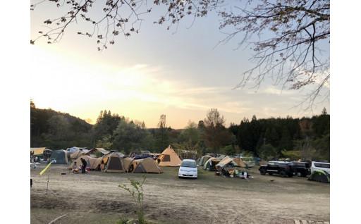 飯地高原自然テント村 薪ストーブのあるキャンプ場
