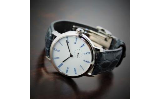日本の伝統的な素材や技術が息づく腕時計!