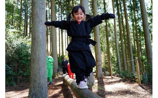 大人も子供も楽しめるスリル満点の忍者修行!
