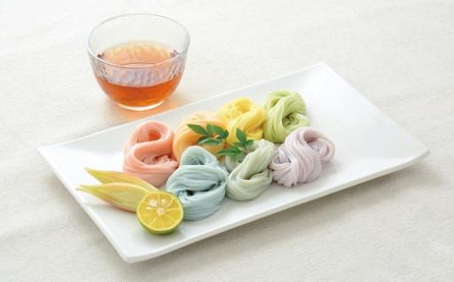 .【映えるレインボー麺】食卓を彩る三輪素麺