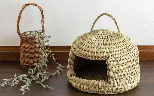 予約殺到!猫が喜ぶ藁のお家。手作りキャットハウス