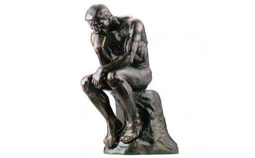 オーギュスト・ロダンの大作「考える人」