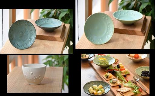 瀬戸内海の風景を彷彿とさせるいっちん文様の陶器