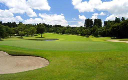 袖ケ浦の格式高いゴルフクラブで打ち初めを!