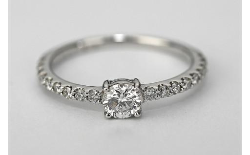 SI-0.3キャラットアップダイヤモンドリング