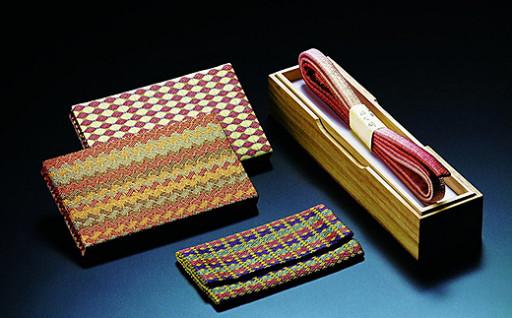美しく織りなされる伝統的地場産品指定「佐賀錦」