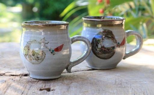 もとぶ南蛮窯 マグカップ(赤絵)2個セット