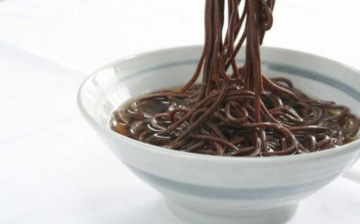 黒い!旨い!伝統の味の名物「音威子府そば」