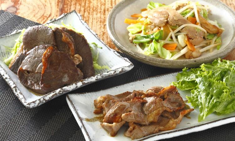 [№5723-0153]羊・鶏・鹿肉をまるごと堪能! しらぬか自慢 味付き焼き肉セット 今なら「鮭とばイチロー100g」プレゼント