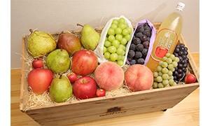 30D0430① 季節のフルーツ詰合せ(8月分)