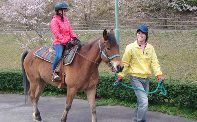 539.親子で焼肉バイキングと引馬乗馬体験