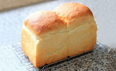 M-14◆安田町産の自然薯入り「もっちり食パン」