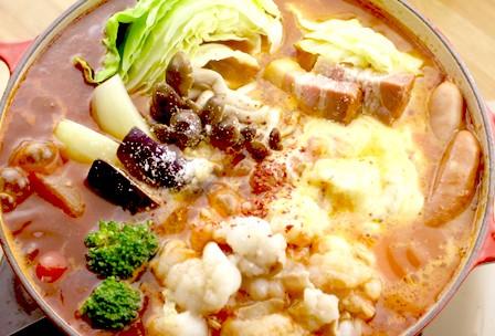 国産牛 上ホルモン チーズとトマトのローマ風もつ鍋(2~3人前)