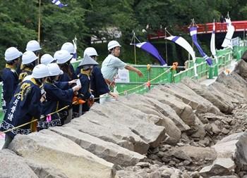 弘前城本丸石垣修理体験イベント(平成29年8月11日、12日)