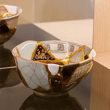 茶碗「繕桜(よしざくら)」