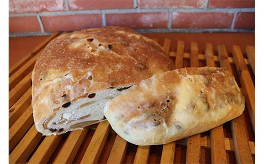 ドンっとまるごと天然酵母フォカッチャpartypan(林檎シナモンクリームチーズ)