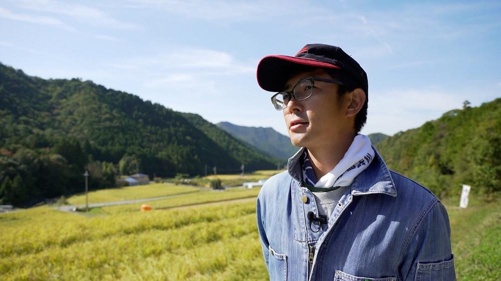最良の原料を求めて、山田錦の名産地西脇市に蔵人が移り住み、自らお米を育てている萬乗醸造の「醸し人九平次」シリーズ。