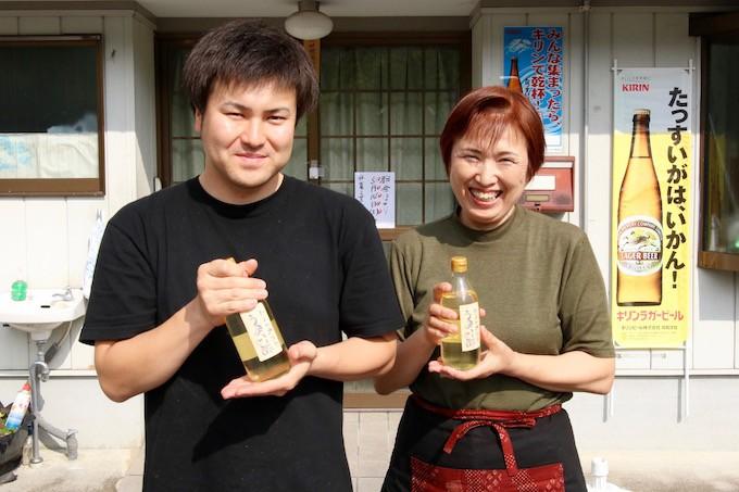 「食堂ヒラグシ」の田辺ひろしさんと母の田辺かずみさん
