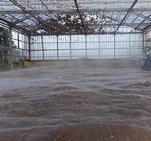 土作りへのこだわり 春を待つ醗酵菌
