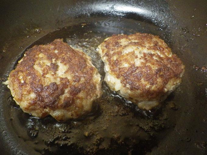 牛肉を存分に味わえるハンバーグです!!