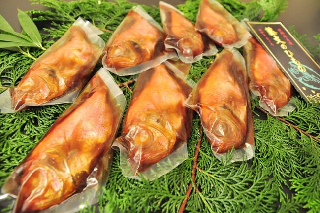 小ぶりでも脂のある金目鯛を仕入れています。(北太平洋産)