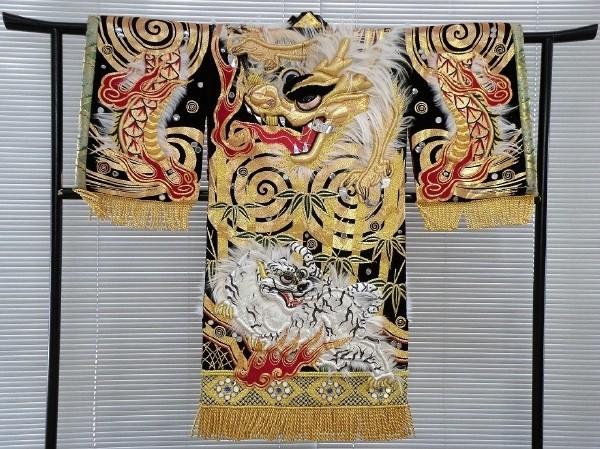 石見神楽の刺繍衣装