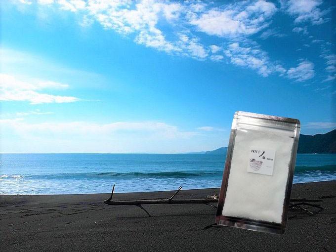 ミネラル豊富で豊かな自然を育む興津の浜
