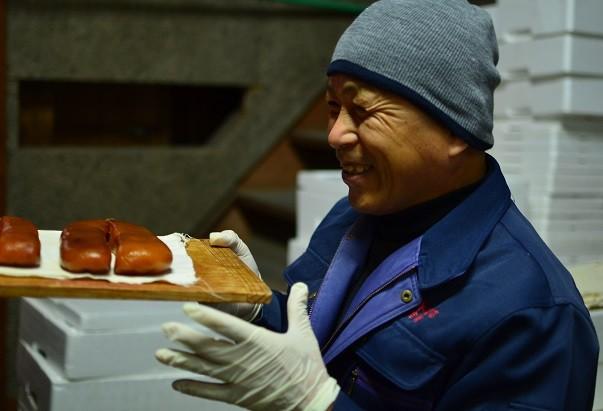 職人吉岡のスマイル、いい仕事ができれば最高の笑顔になります!