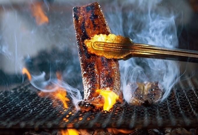 四万十鰻は炭火で焼くからうまい!