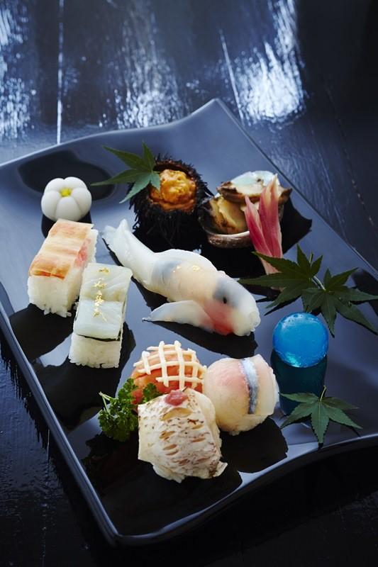 目で愉しみ、舌で味わう 寿司の竜宮城(錦)