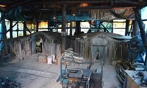 里山にあるやまが炭の釜
