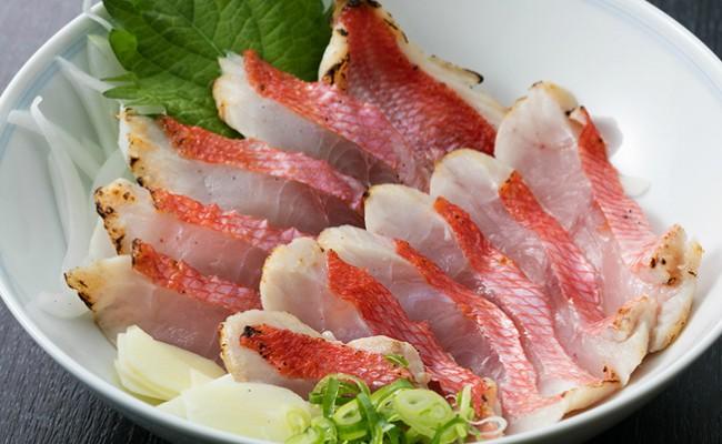 室戸産の『金目鯛』は鮮度が抜群です。豪華なタタキをご自宅でどうぞ。