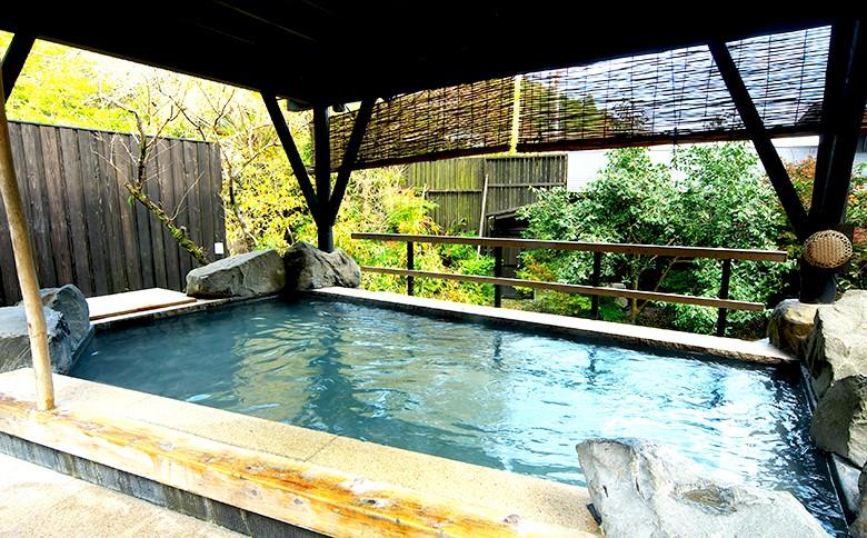 西日本最高級の泉質の露天風呂。一度入ればきっとファンになります。