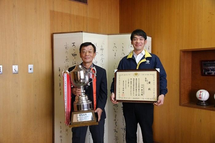 見事「農林水産大臣賞」に輝いた江口豊作さん(右)