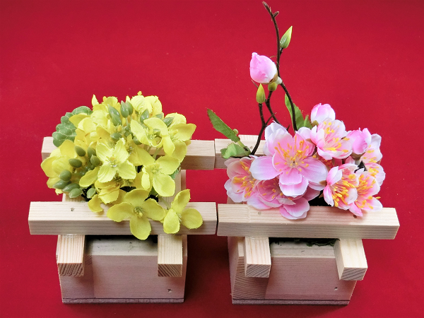 菜の花と桃の花は、ブレスガーデン自信作のフェイクフラワー(造花)です