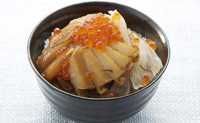 しょうゆベースの優しい風味で、炊き立てご飯によく合います
