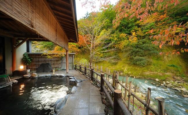 四季を感じられる風景と川のせせらぎに癒やされて